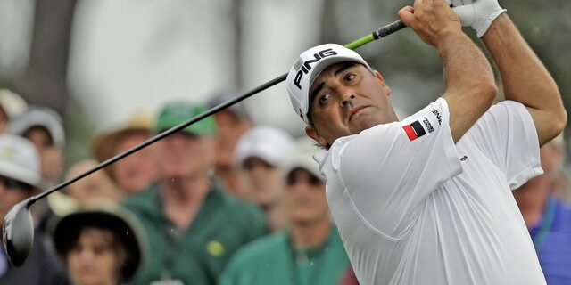 Argentine Cabrera Wins at Home